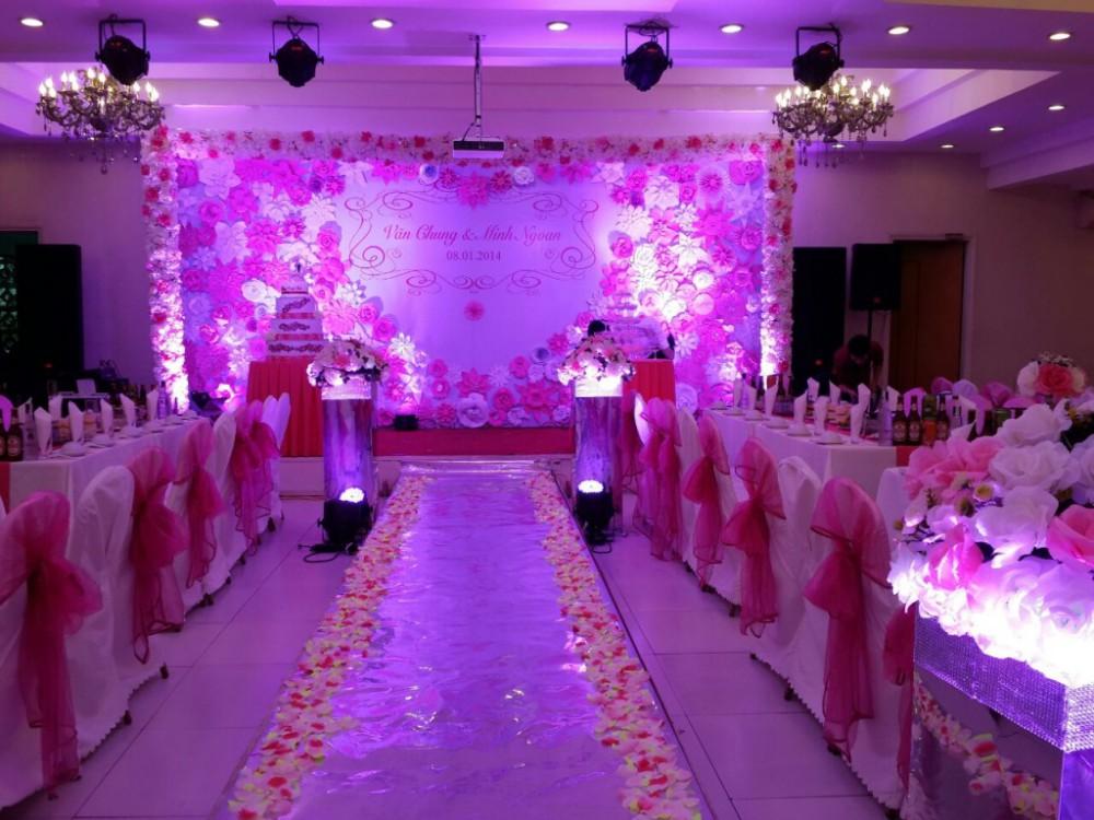 In phông cưới giá rẻ tại Hà Nội