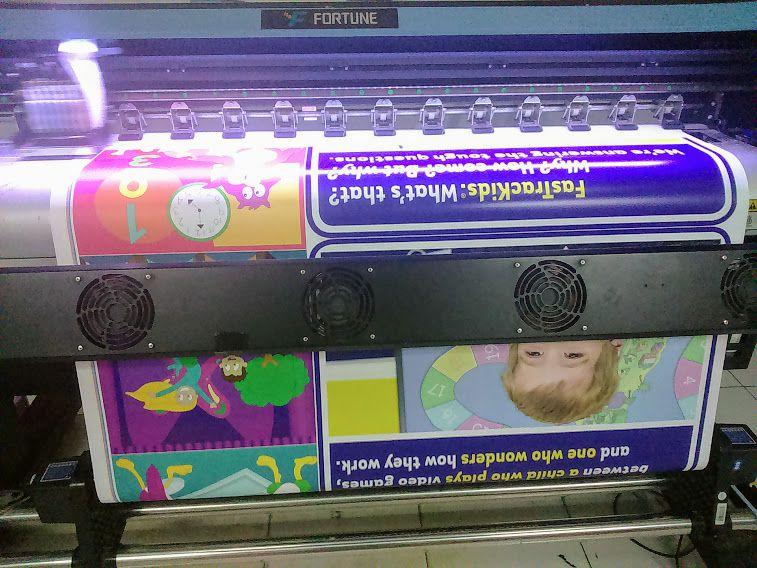 in decal giấy tại Hà Nội làm tranh trang trí